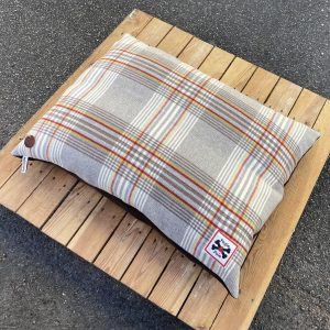 Fogle and Pole Dog Bed