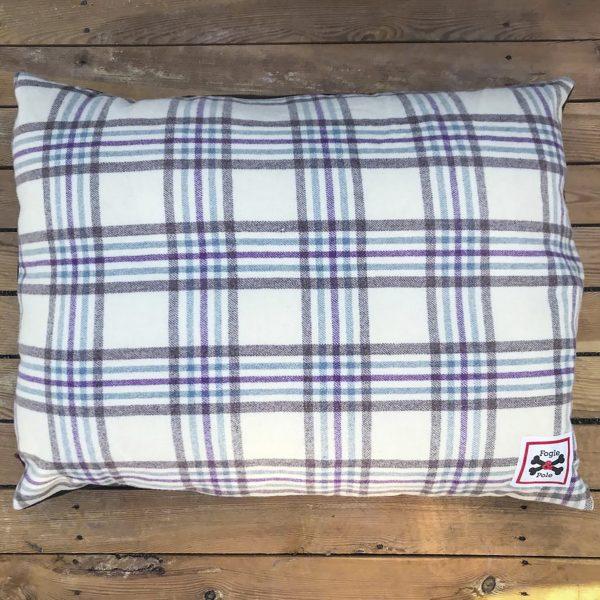 Wild Blackberry - Fogle & Pole Vintage Collection Dog Bed